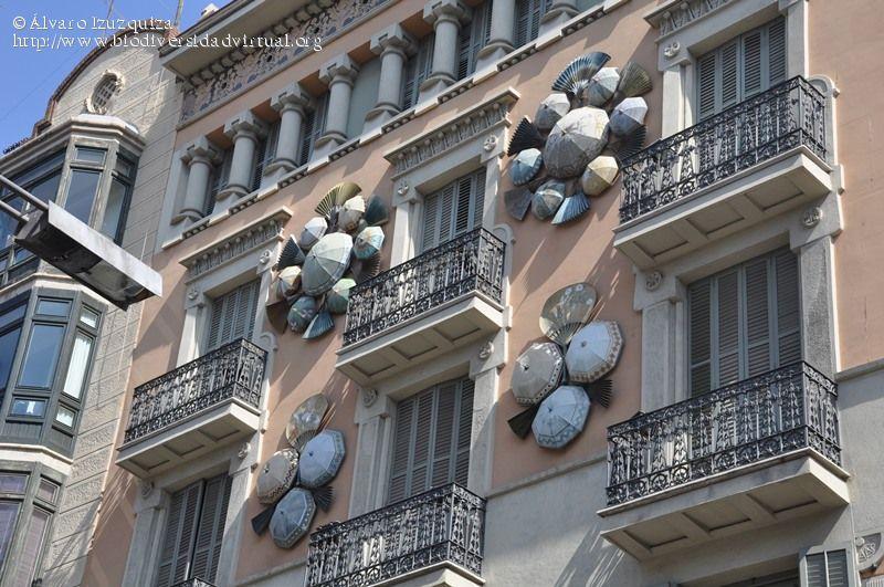 casa-bruno-cuadros-o-casa-de-los-paraguas-barcelona
